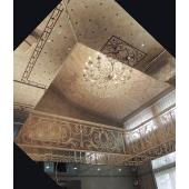 зеркальный потолок с элементами панно